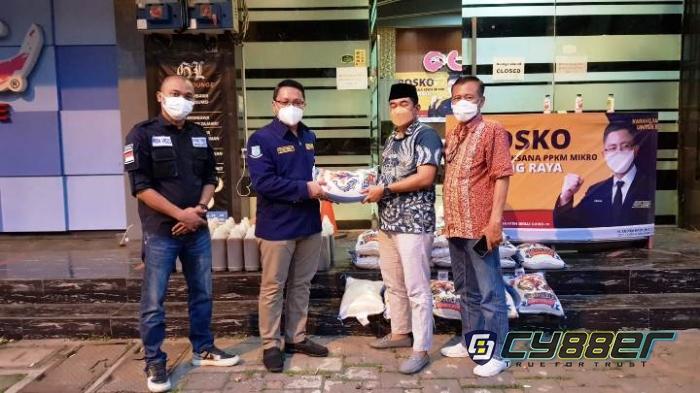 Ketua MPKT Banten Distribusikan Beras 1 Ton untuk Warga Terdampak Virus Corona