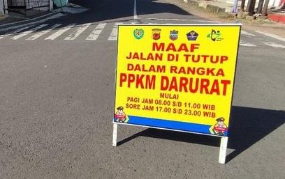 Bantu Warga di Masa PPKM Darurat, Polisi Bersama Koramil Salurkan Paket Sembako