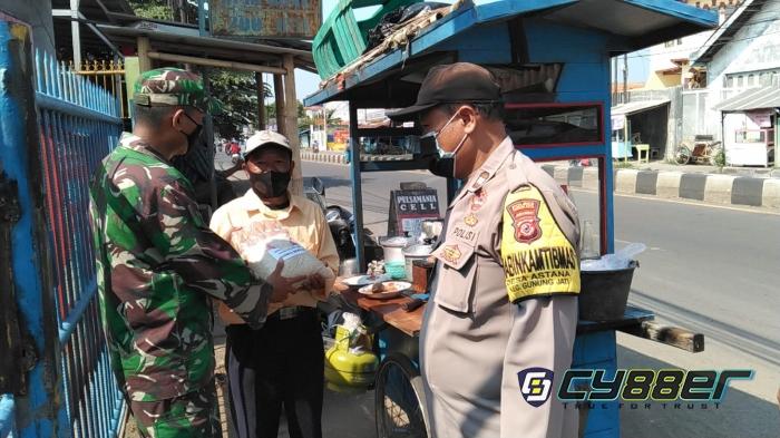Menyaksikan Himpitan Ekonomi Masyarakat Cirebon, Mengetuk Nurani Kapolsek Gunungjati