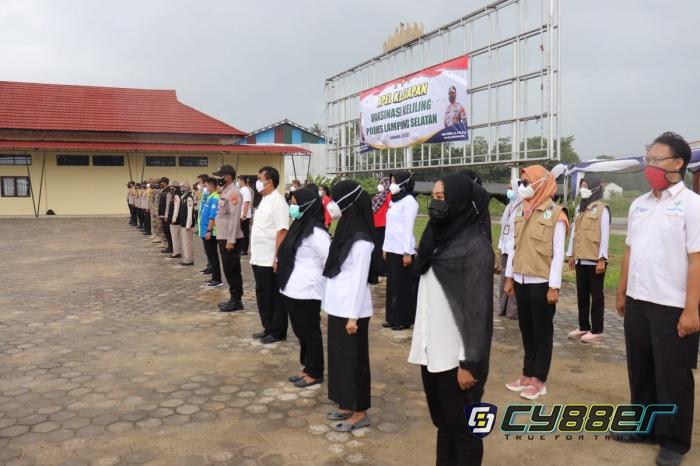 Gelar Vaksinasi Keliling Polres Lamsel Ikutkan 125 Personil