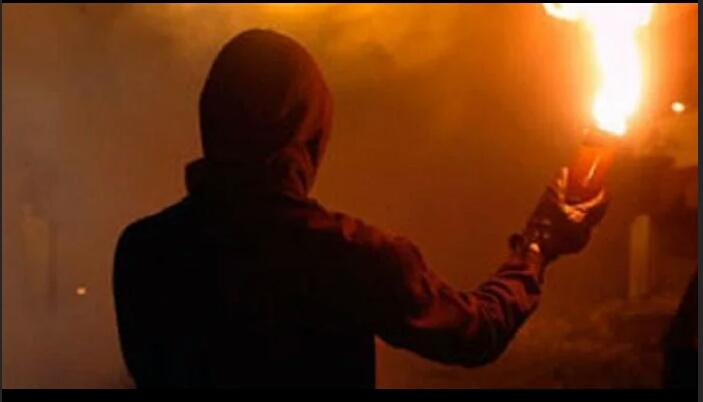 Pelemparan Bom Molotov Oleh OTK ke Rudin Kadiv Permasyarakatan Kemenkumham Pekanbaru