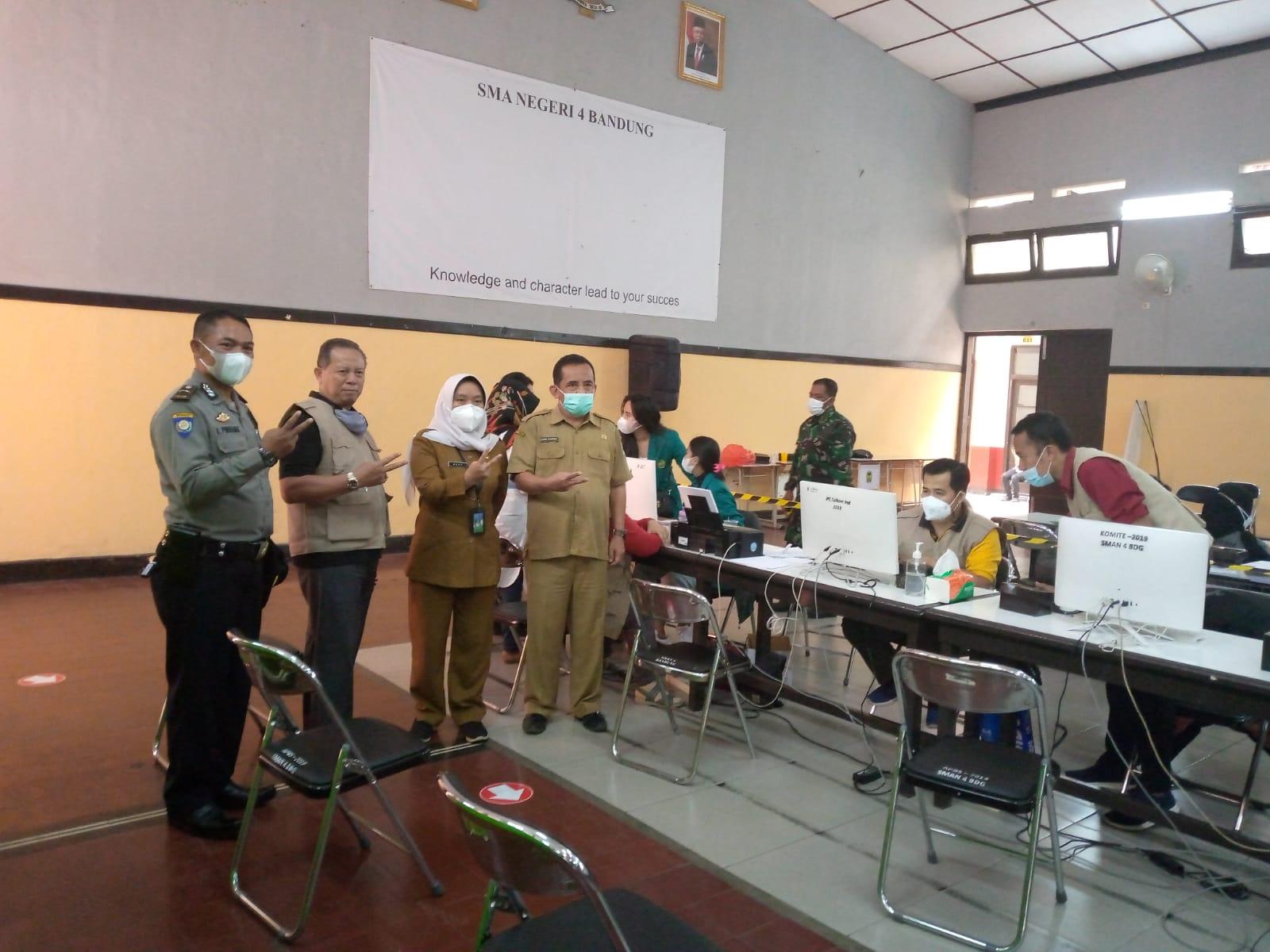 Vaksin Dosis Kedua Bagi 500 Pelajar SMAN 4 Bandung