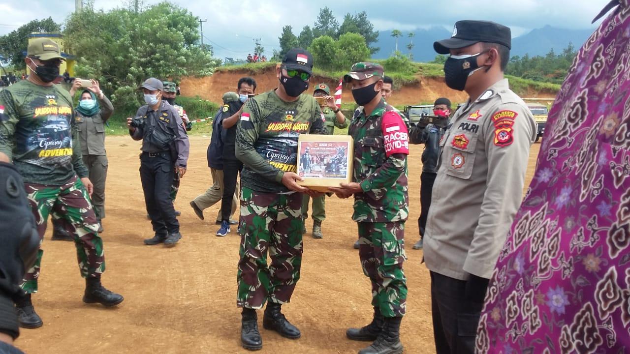 Kodiklat dan Pussenif Gelar Baksos dan Adventure di Wilayah Arjasari Bandung