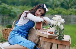 Putri Asli Garut Berkiprah di Dunia Modeling Nasional