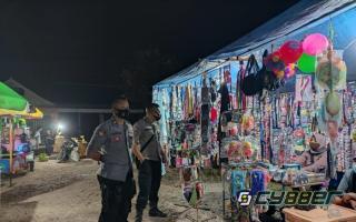 Polisi Sosialisasi Pendisiplinan Prokes Sembari Bagikan Masker