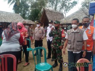 Dihadiri Muspika, Warga Desa Jelegong CidologAntusias Ikuti Vaksinasi