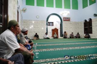 Dewan Kemakmuran Masjid Annajah bersama Kapolres Banjar, ada apa kah?