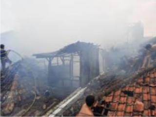 Lima Rumah di Jalan Pagarsih Bandung HangusDilalap Sijago Merah