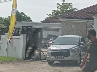 Andi Putra, Bupati Aktif Kuansing Diperiksa KPK di Gedung Krimsus Polda Riau