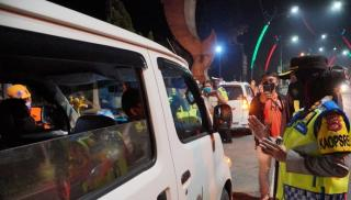 Kapolres Banjar Polda Jabar Pimpin Operasi Penyekatan, Puluhan Kendaraan Dipaksa Putar Balik