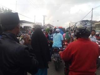 Pasar Tradisional Omben Macet Karena Parkir Sembarangan