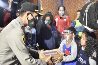 Peduli Bencana, Kapolres Bogor Polda Jabar Bangun Dapur Umum dan Berikan Bantuan